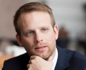 Vice-voorzitter R. van Kuijk